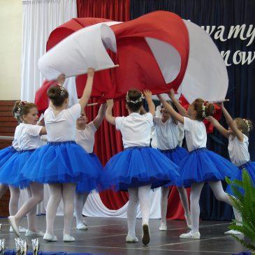 """Festiwal Piosenki """"Śpiewamy papieżowi i Polsce"""""""
